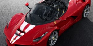 The 500th Ferrari LaFerrari Aperta Will be Auctioned in Benefit of Save the Children