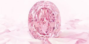 The World's Largest Purple-Pink Diamond Fetched $26.6M in Geneva
